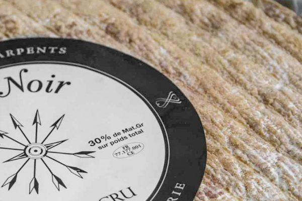 Brie-Noir-zoom